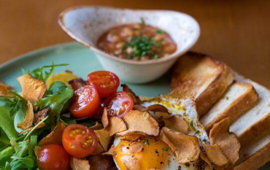 tomaten met ei en toast